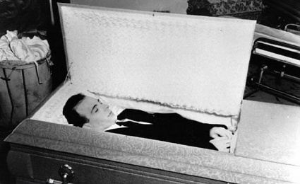 Oswald Exhumation Photos http://www.roadsideresort.com/blog/unwrap-lee-harvey-oswalds-coffin-for-christmas